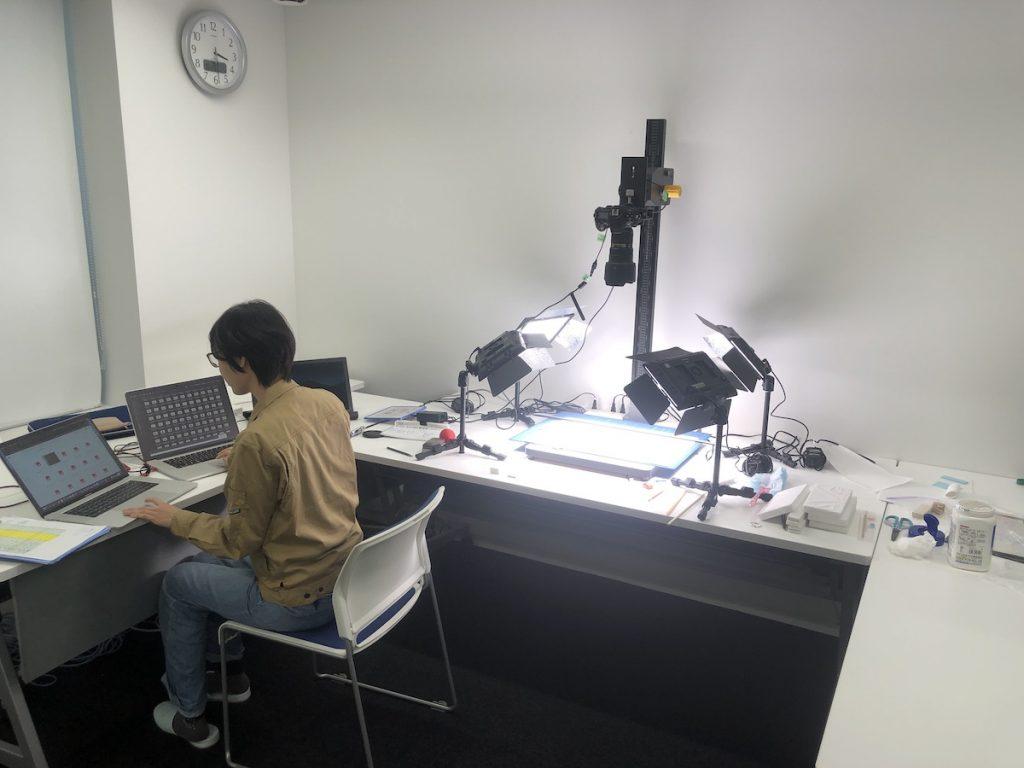 西田資料撮影風景